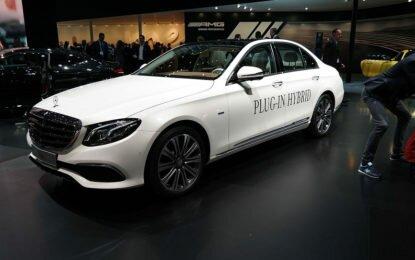 Mercedes новую версию кроссовера GLC L